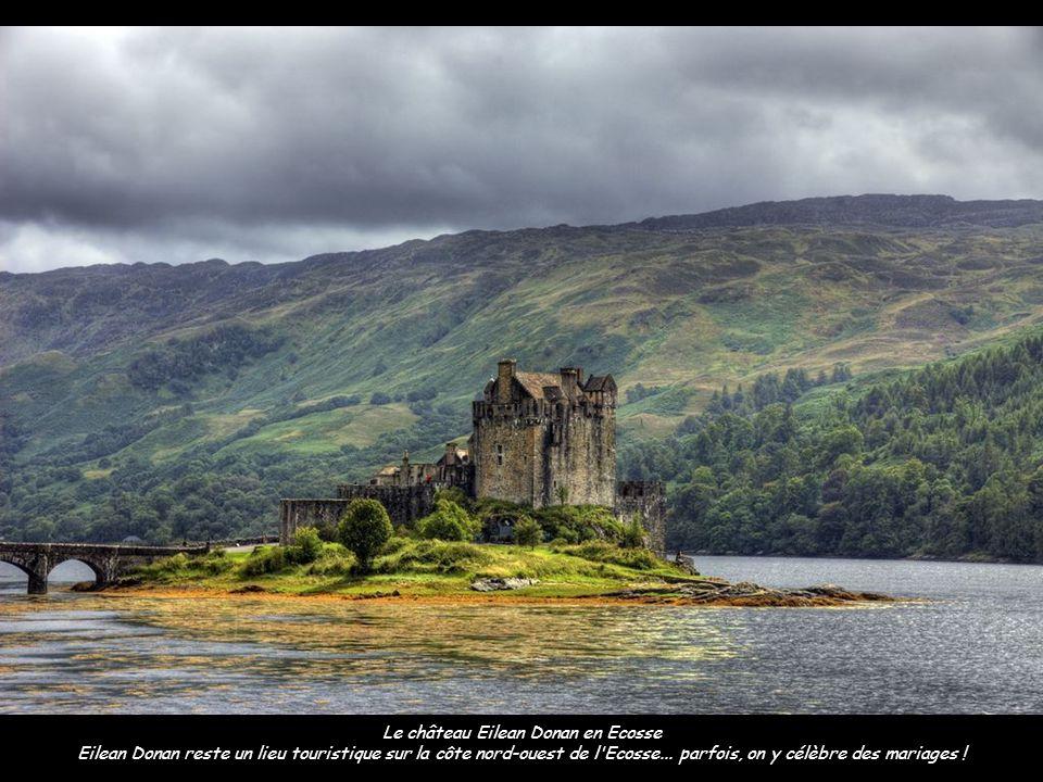 Le château Eilean Donan en Ecosse Eilean Donan reste un lieu touristique sur la côte nord-ouest de l Ecosse...