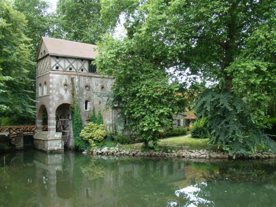 Le moulin des Béchets est devenu une belle demeure particulière