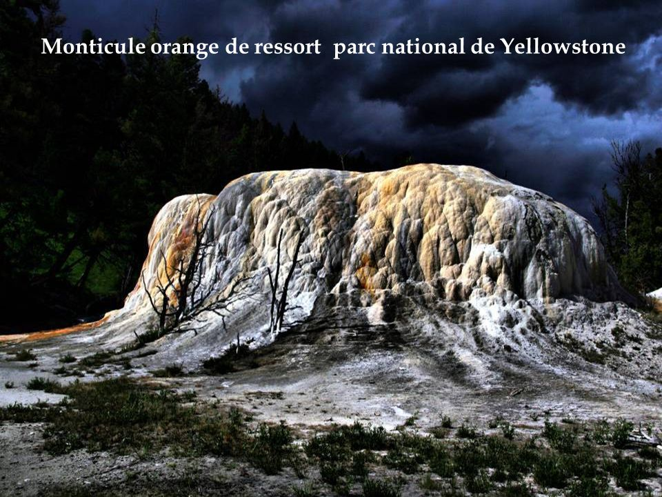 Monticule orange de ressort parc national de Yellowstone