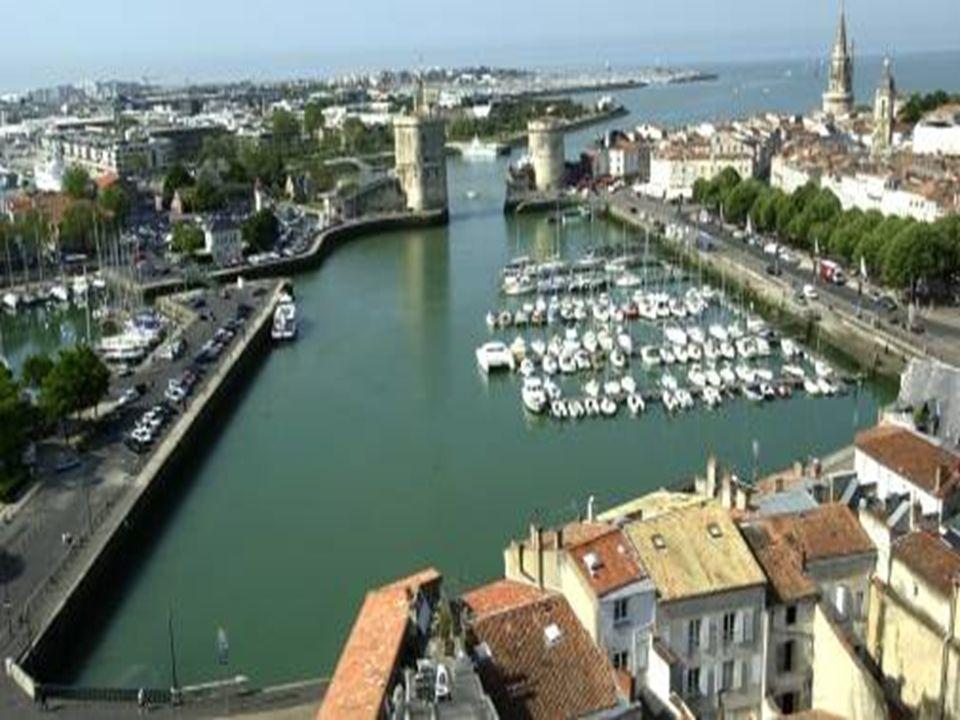 La Rochelle Cité millénaire résolument tournée vers lavenir, La Rochelle est une ville belle et généreuse qui conjugue la préservation dun patrimoine