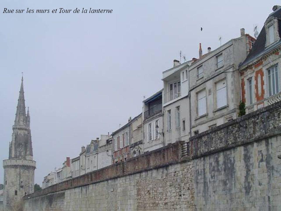 Rue sur les Murs et Tour de la chaîne