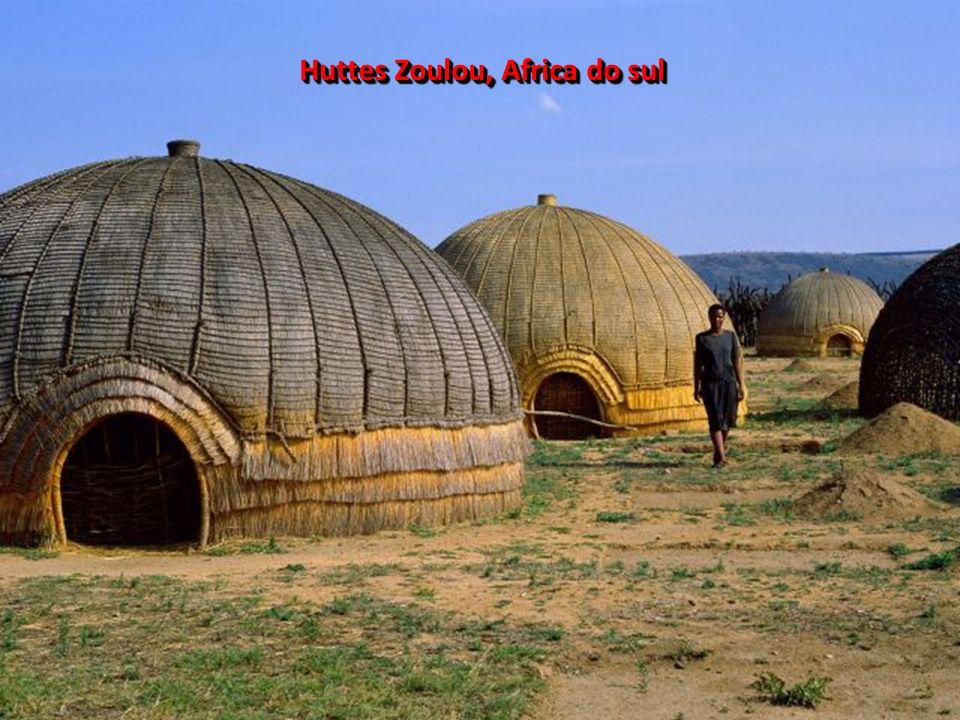 DIVERSITE DES VISAGES AFRICAINS