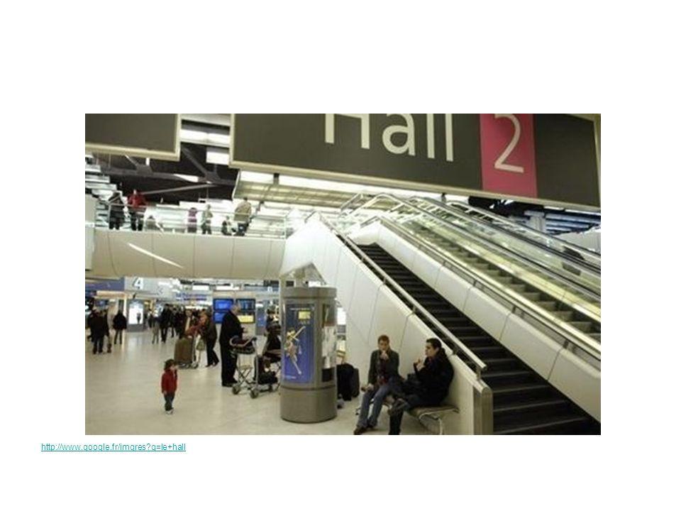 Le hall des départs http://static.lexpress.fr Un écranle numéro du vol
