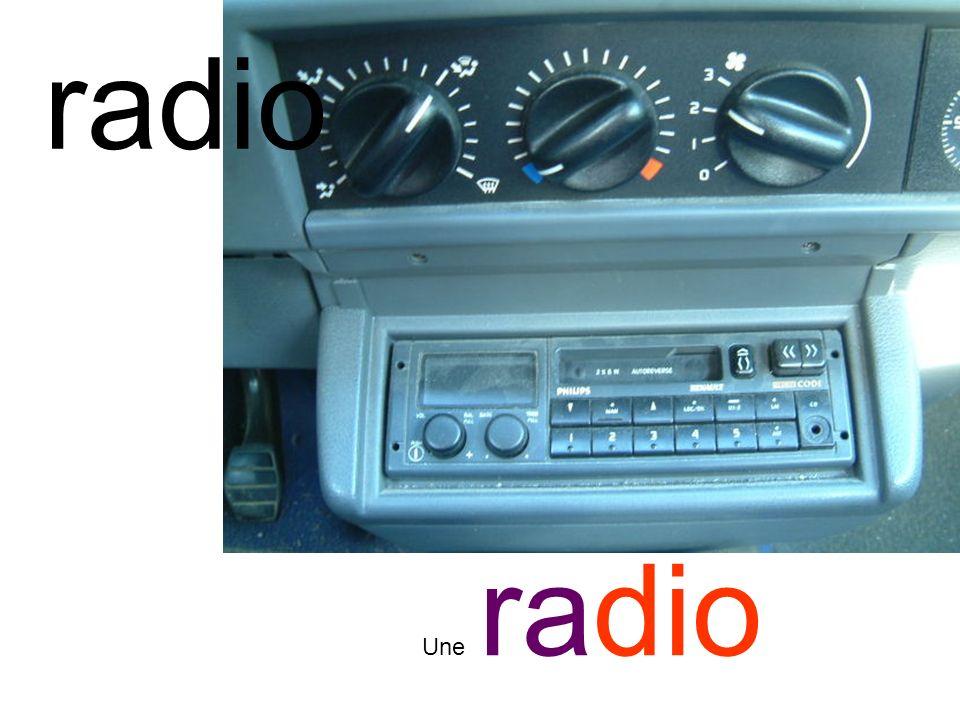 radio Une radio