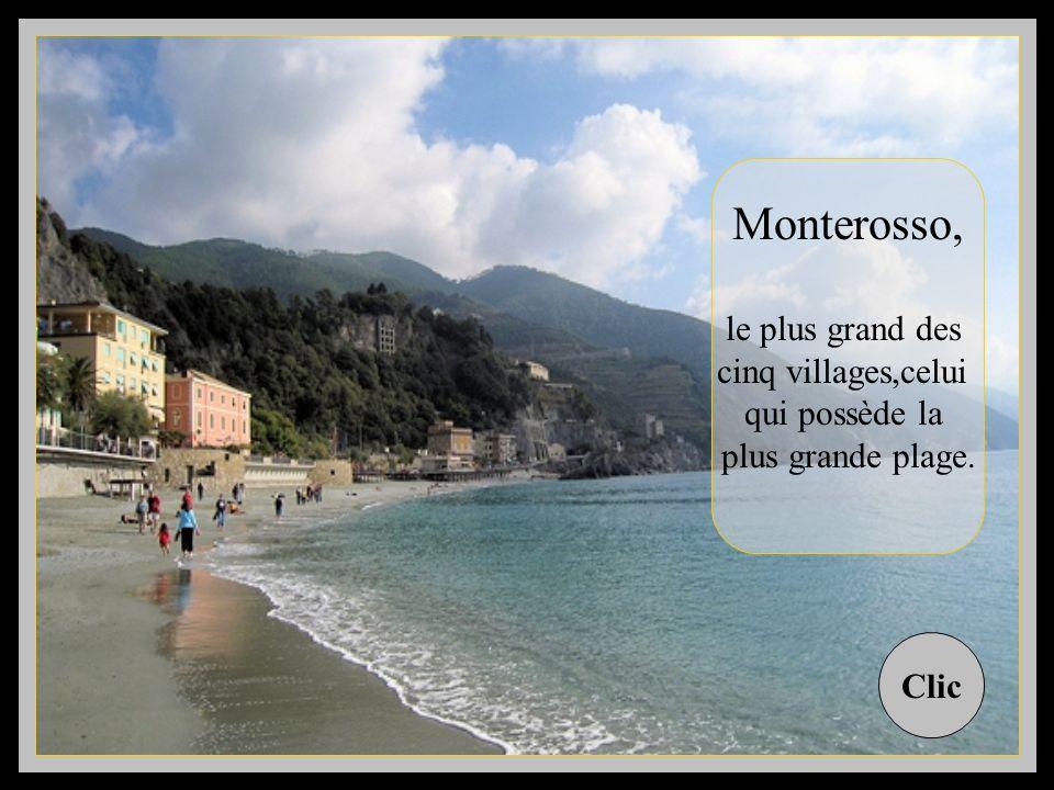 Il sont cinq petits villages dans ce coin de Ligurie ( Italie ) à labri dune côte rocheuse, les maisons tournées vers la mer, dos aux vignes et aux co