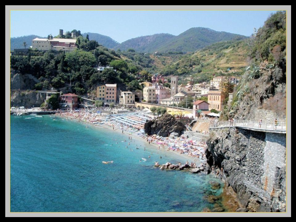 Monterosso, le plus grand des cinq villages,celui qui possède la plus grande plage. Clic