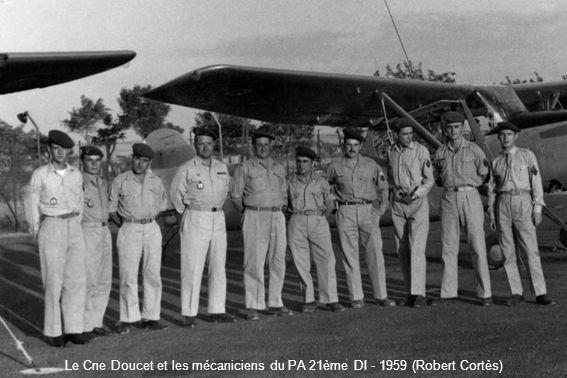 Le Cne Doucet et les mécaniciens du PA 21ème DI - 1959 (Robert Cortès)