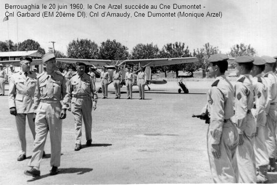 Berrouaghia le 20 juin 1960, le Cne Arzel succède au Cne Dumontet - Cnl Garbard (EM 20ème DI), Cnl dArnaudy, Cne Dumontet (Monique Arzel)