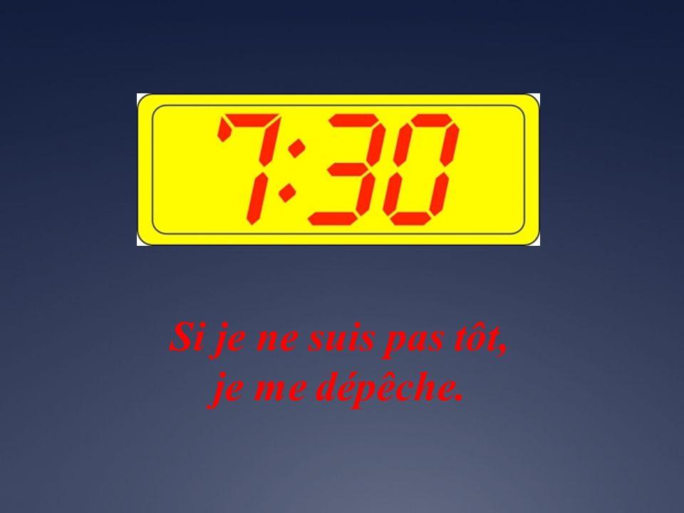 La journée scolaire commence à huit heures moins dix minutes.