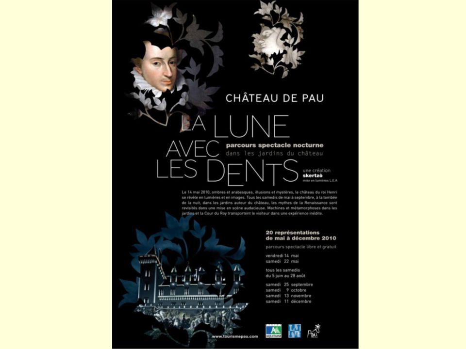 Après le théâtre Saint-Louis, direction le château pour assister au parcours-spectacle « La Lune avec les Dents »