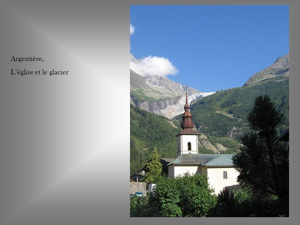 Glacier des Bossons L Aiguille du Midi 3842 m Le Mont-Blanc 4809 m Dôme du Gouter 4304 m Mont Maudit 4465 m