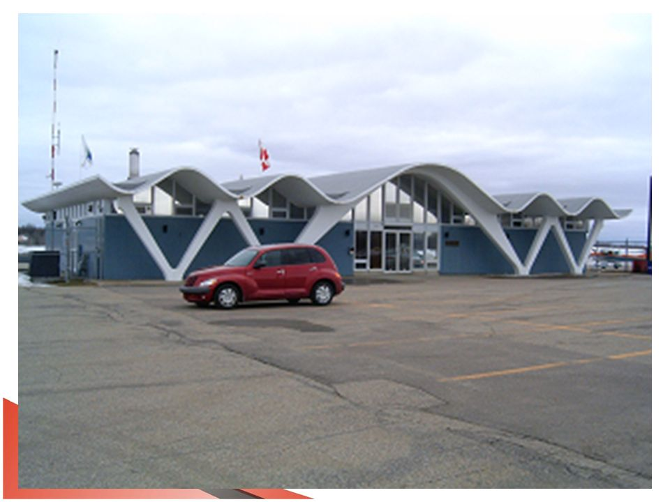 Aéroport Trois-Rivières Historique 1961Le ministre fédéral des Transports et député de Trois- Rivières, M.