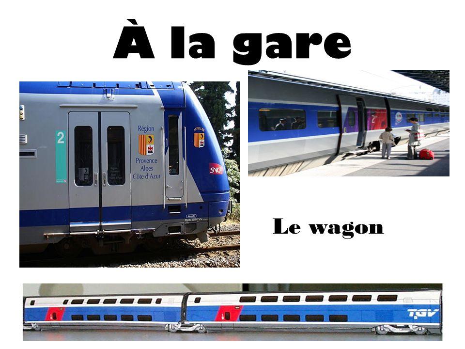 À la gare Le wagon