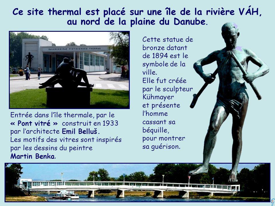 Ce site thermal est placé sur une île de la rivière VÁH, au nord de la plaine du Danube. Cette statue de bronze datant de 1894 est le symbole de la vi