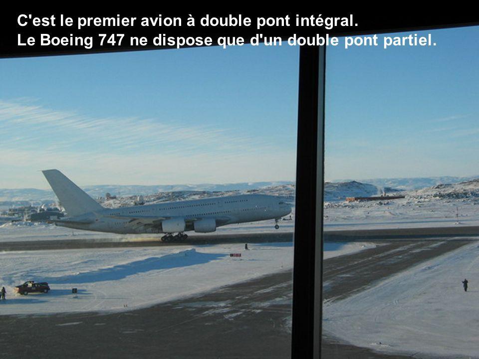 C est le premier avion à double pont intégral.