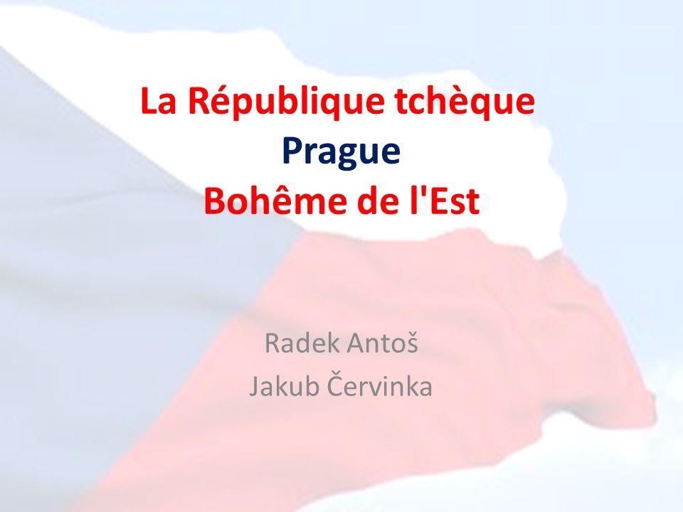 La République tchèque Un pays en Europe centrale Il compte 10 millions d´habitants La superficie est environ 79 mille km 2 Les états voisins: Allemagne, Autriche, Slovaquie et Pologne Les Monts des Géants (Sněžka) sont les plus hautes montagnes On distingue 3 parties historiques: Bohême, Moravie et Silésie Le pays est divisé en 14 régions La capitale Prague est en même temps la plus grande ville