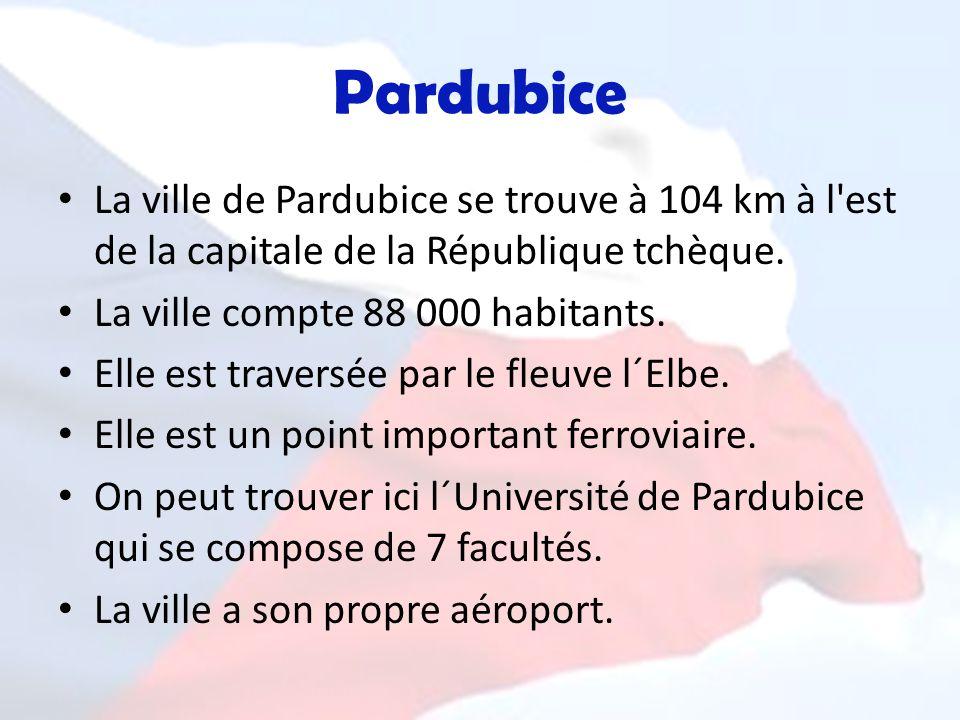 Pardubice La ville de Pardubice se trouve à 104 km à l'est de la capitale de la République tchèque. La ville compte 88 000 habitants. Elle est travers