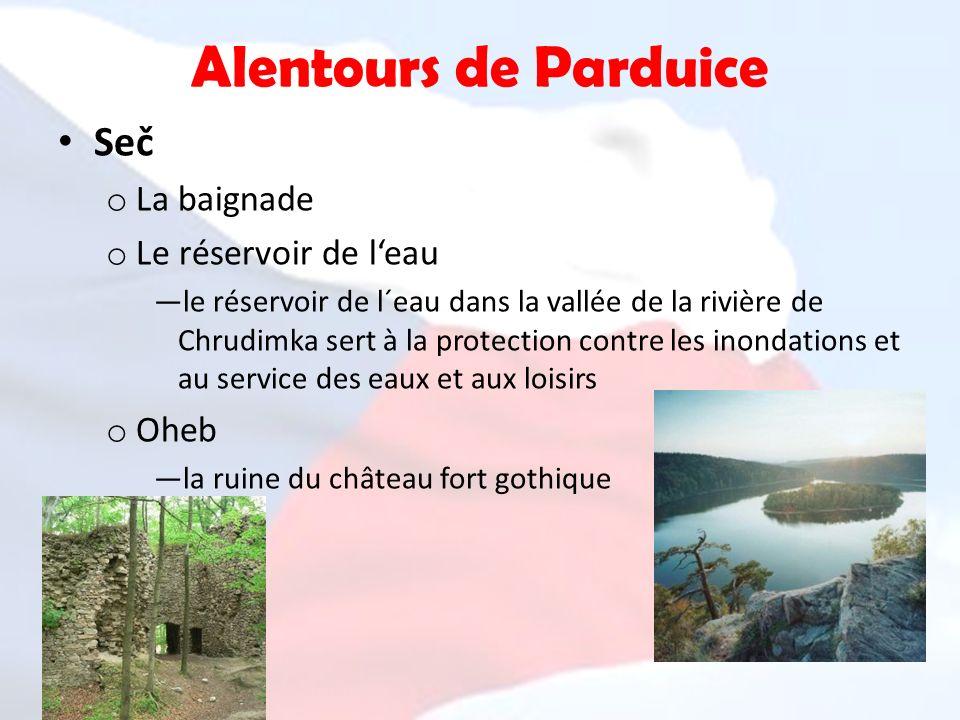 Alentours de Parduice Seč o La baignade o Le réservoir de leau le réservoir de l´eau dans la vallée de la rivière de Chrudimka sert à la protection co
