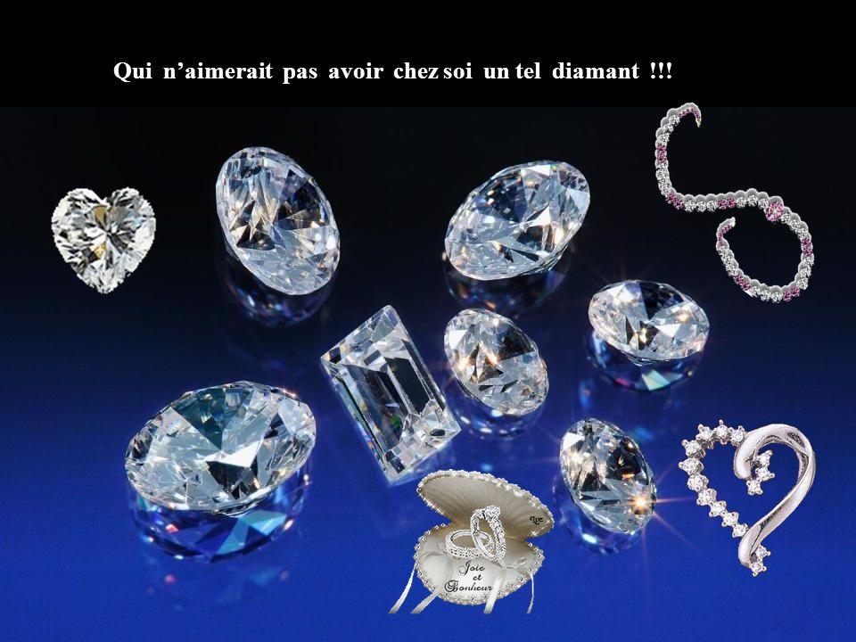 Diamants en forme d'octaèdre. On doit tailler les facettes du diamant selon des angles précis afin de réfléchir au maximum la lumière emprisonnée à l'
