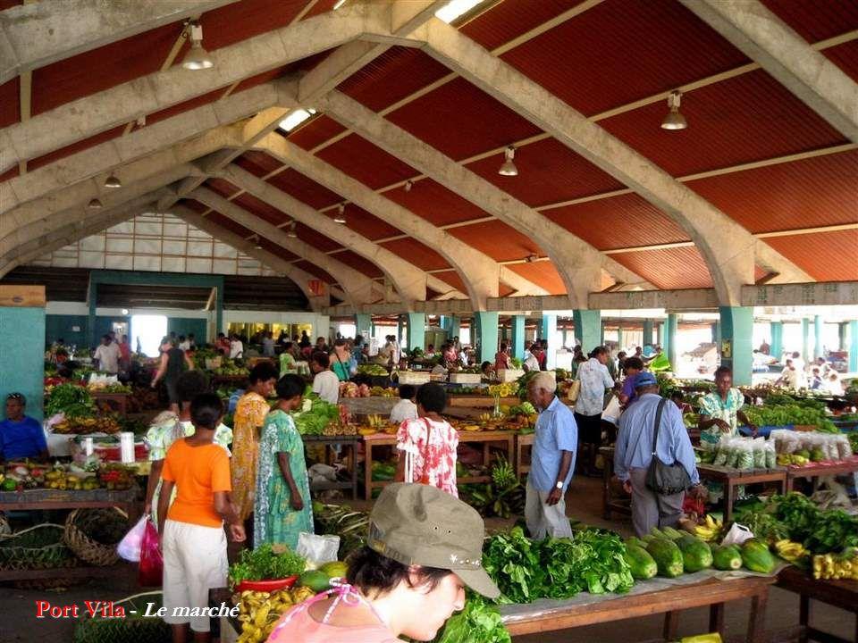Port Vila - Le port de commerce