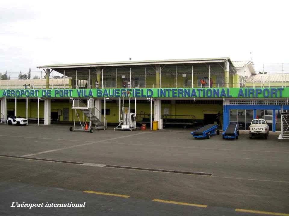 Laéroport international
