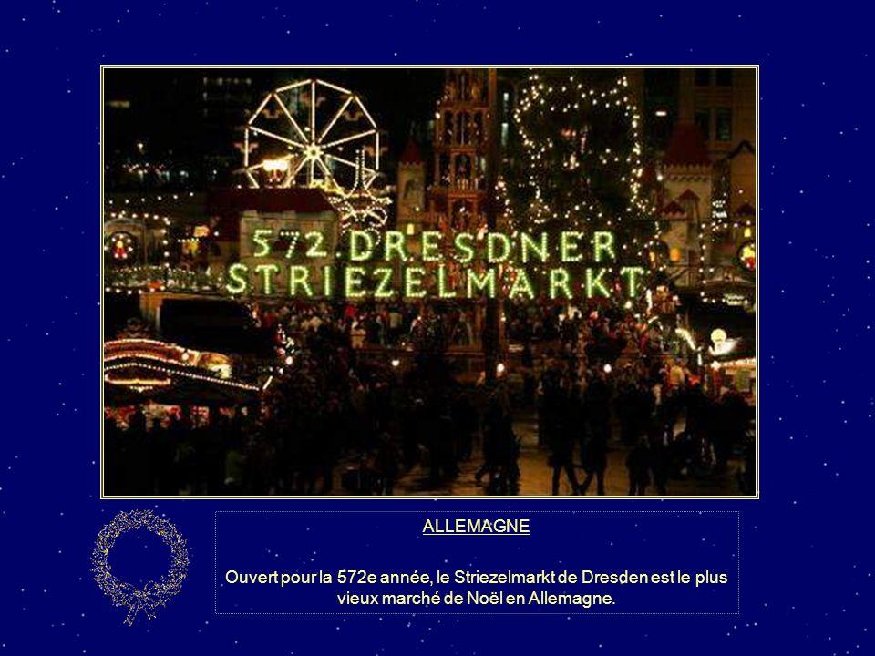 ALLEMAGNE Voici la «Light House» de Drensteinfurt! Son propriétaire Gisbert Hiller a décoré sa maison avec 420 000 ampoules lumineuses alimentées par