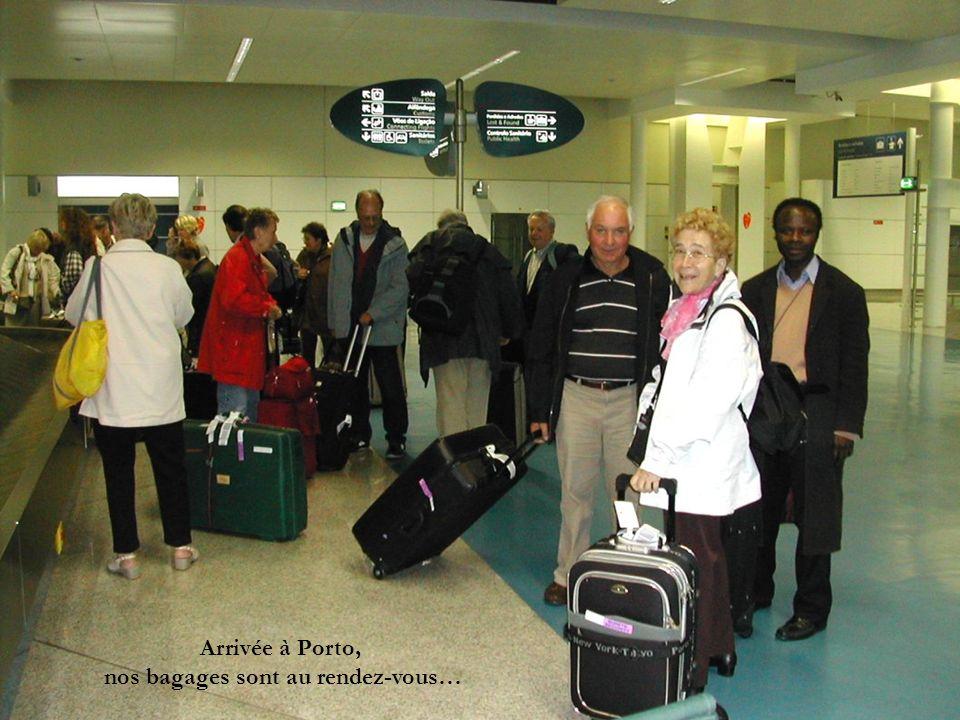 Descente sur Porto Descente vers laéroport Le port de Porto