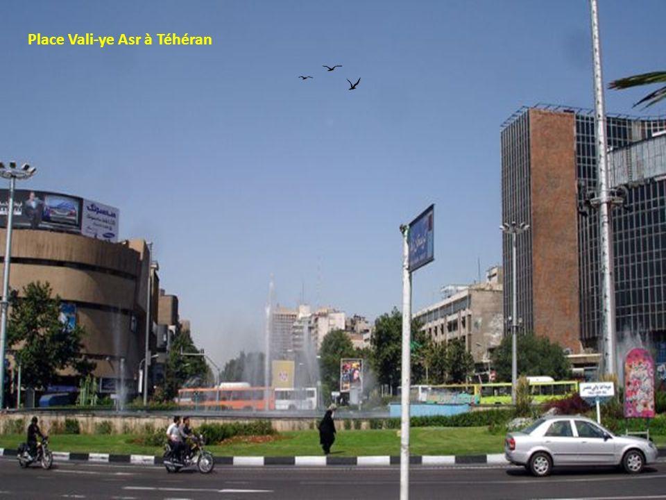 Place Vali-ye Asr à Téhéran