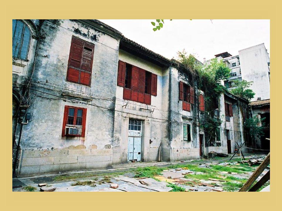 Ruine de léglise Saint-Paul