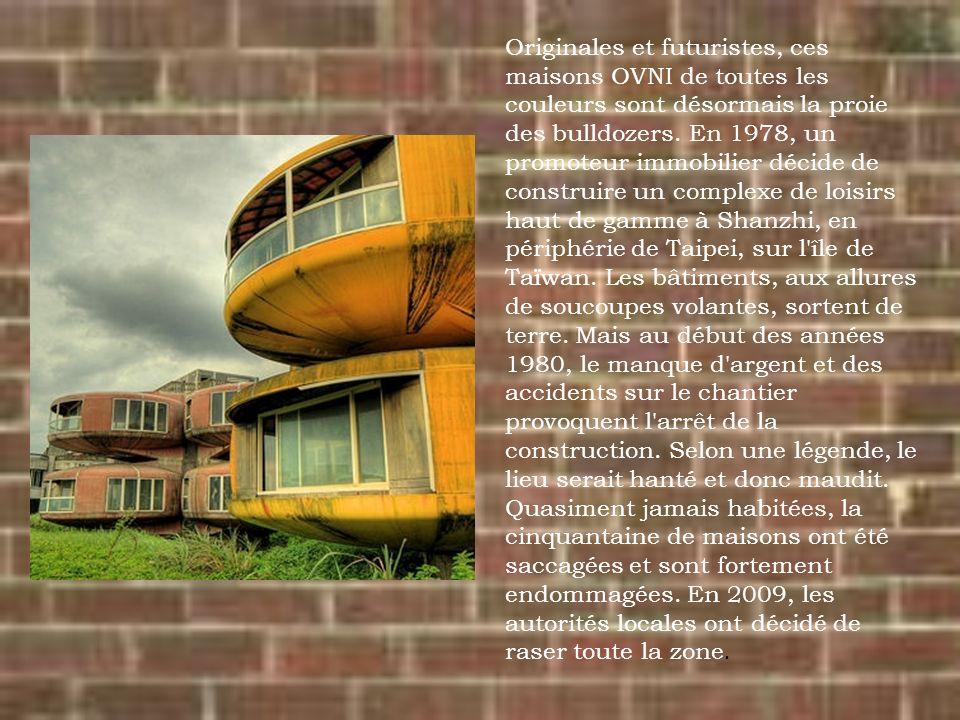 Originales et futuristes, ces maisons OVNI de toutes les couleurs sont désormais la proie des bulldozers. En 1978, un promoteur immobilier décide de c