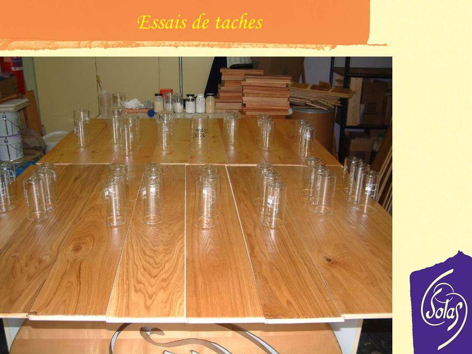 Test de laboratoire Préparation des essais de taches les test sont régulièrement effectués pour les taches de: Café Eau Coca Vin Rouge Ces produits so