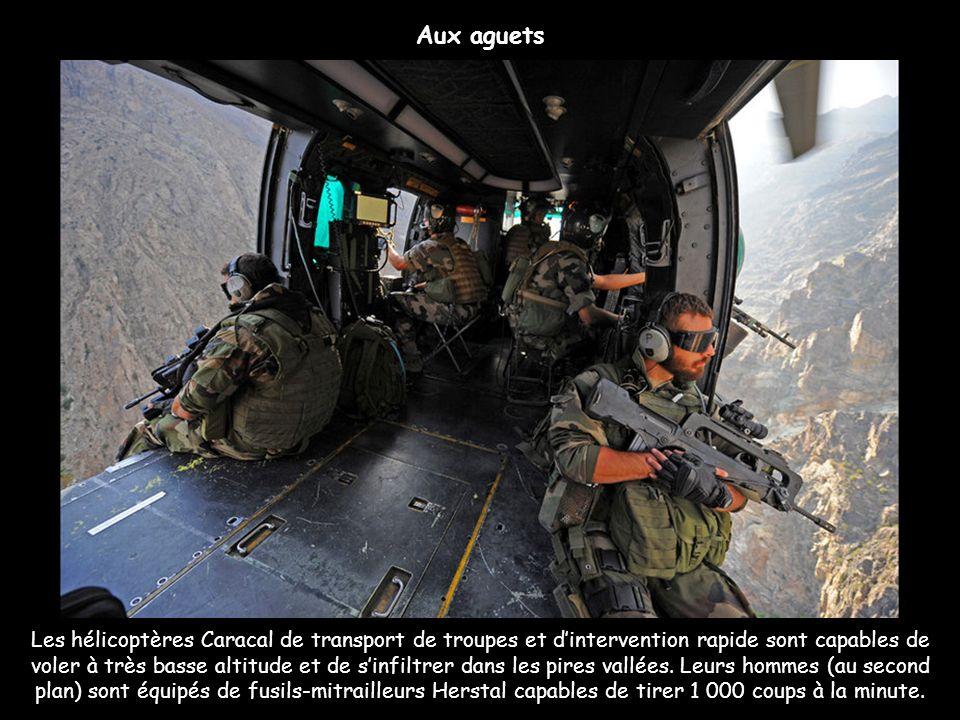 Les hélicoptères Caracal de transport de troupes et dintervention rapide sont capables de voler à très basse altitude et de sinfiltrer dans les pires