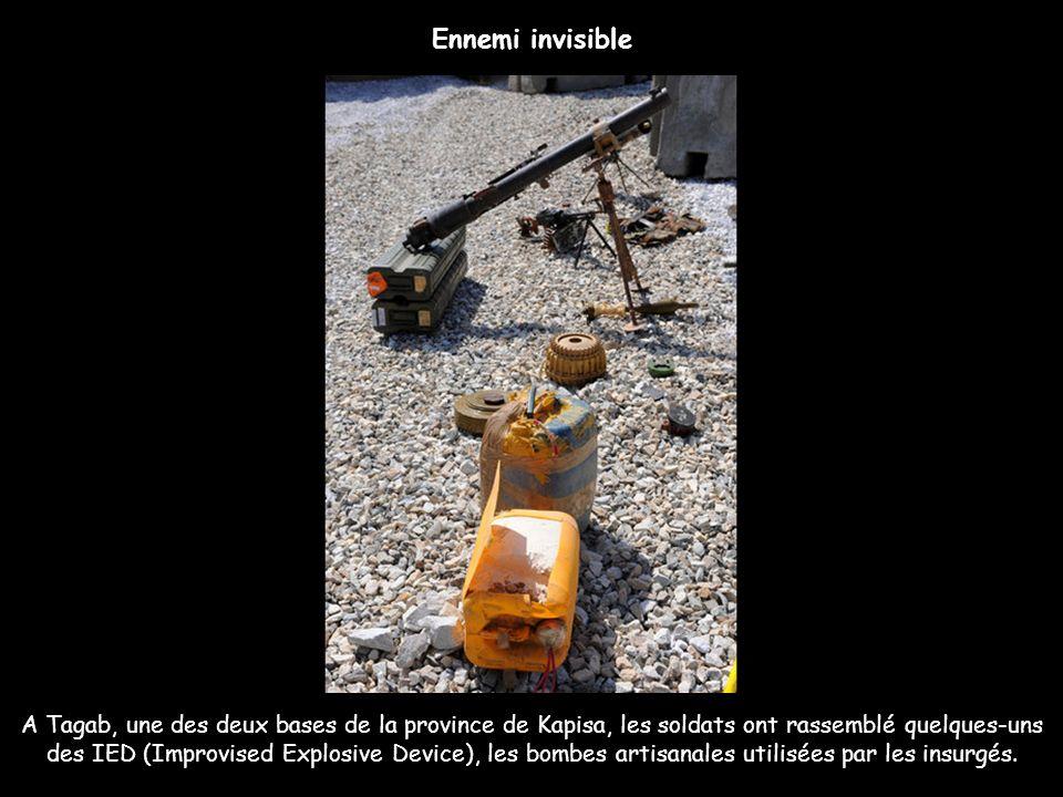 A Tagab, une des deux bases de la province de Kapisa, les soldats ont rassemblé quelques-uns des IED (Improvised Explosive Device), les bombes artisan
