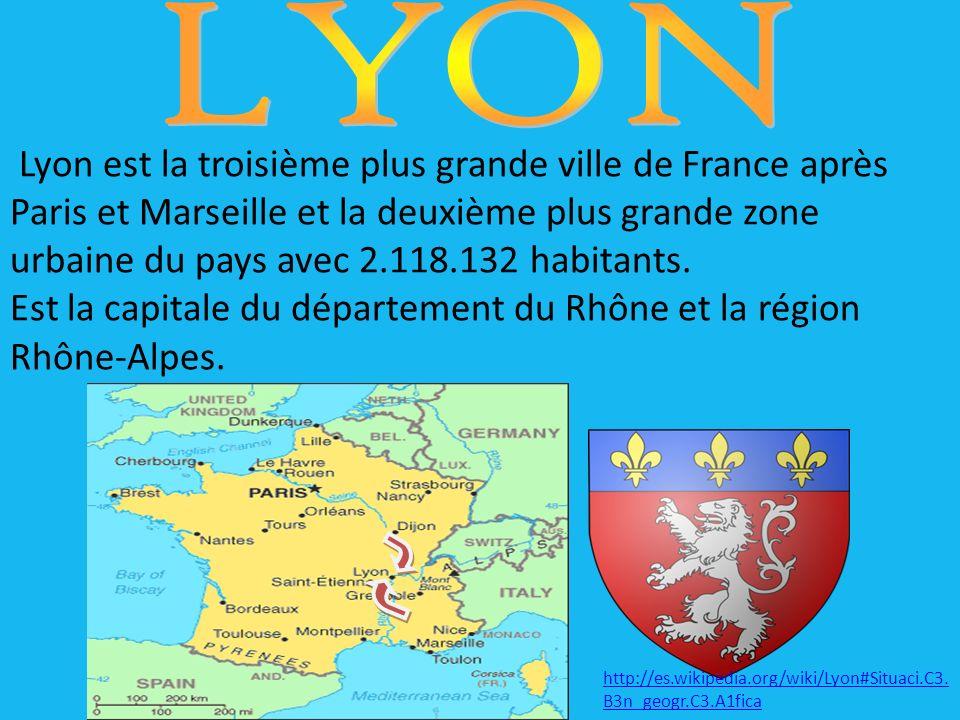 Lyon est la troisième plus grande ville de France après Paris et Marseille et la deuxième plus grande zone urbaine du pays avec 2.118.132 habitants.