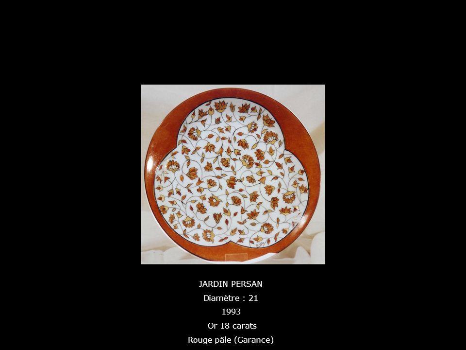 JARDIN PERSAN Diamètre : 21 1993 Or 18 carats Rouge pâle (Garance)