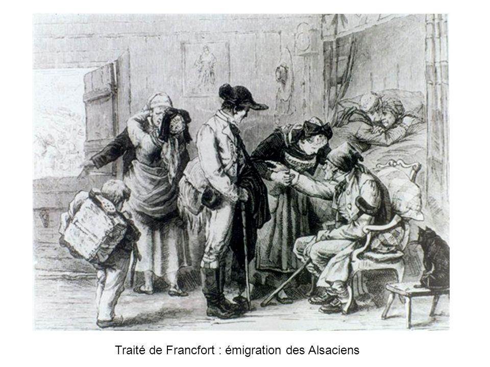 Enfants Alsacien passant devant un garçon allemand la bouche ouverte Devant de si bonnes choses