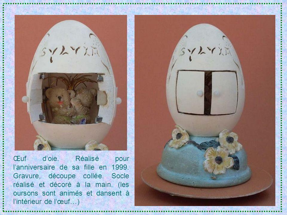 Première décoration sur œuf doie, réalisée pour son petit- fils Étienne.