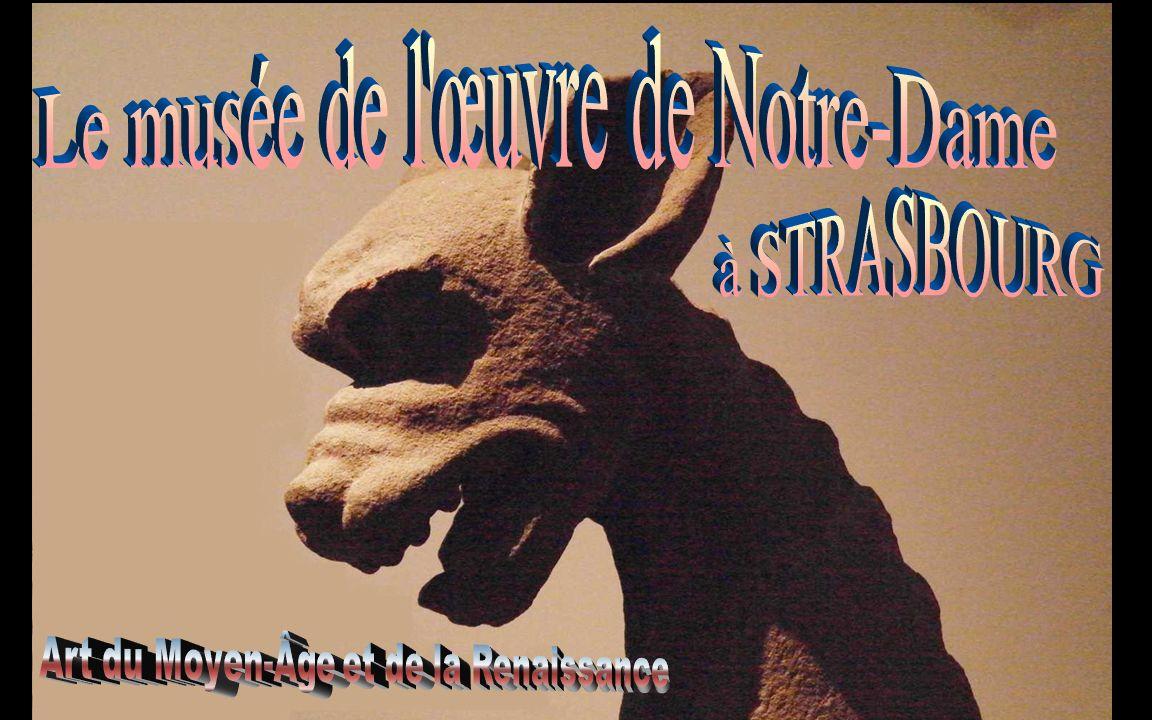 Le matériau utilisé pour la sculpture dans le Rhin supérieur pendant tout le Moyen Age est le grès.