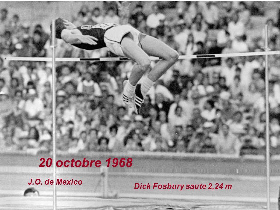 18 octobre 1968 J.O. de Mexico Bob Beamon saute 8,90 m en longueur Il améliore de 55 cm lancien record du monde