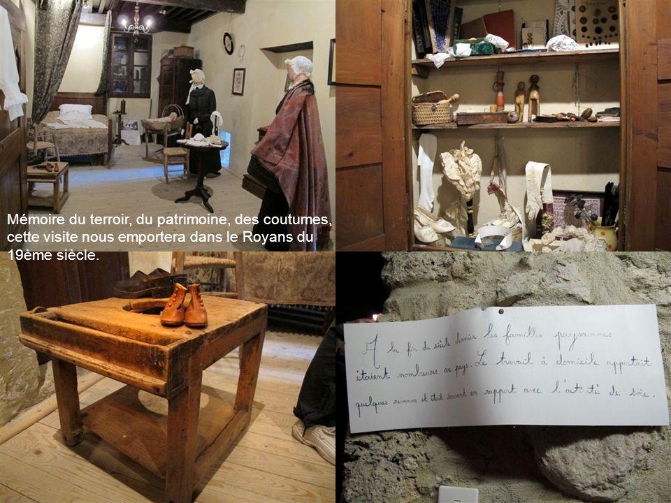 Nous revenons au pied des ruines du château médiéval dans son ancien presbytère (18ème siècle), pour visiter le Musée du Royans créé en 1979 où nous attend Alain Derbier….