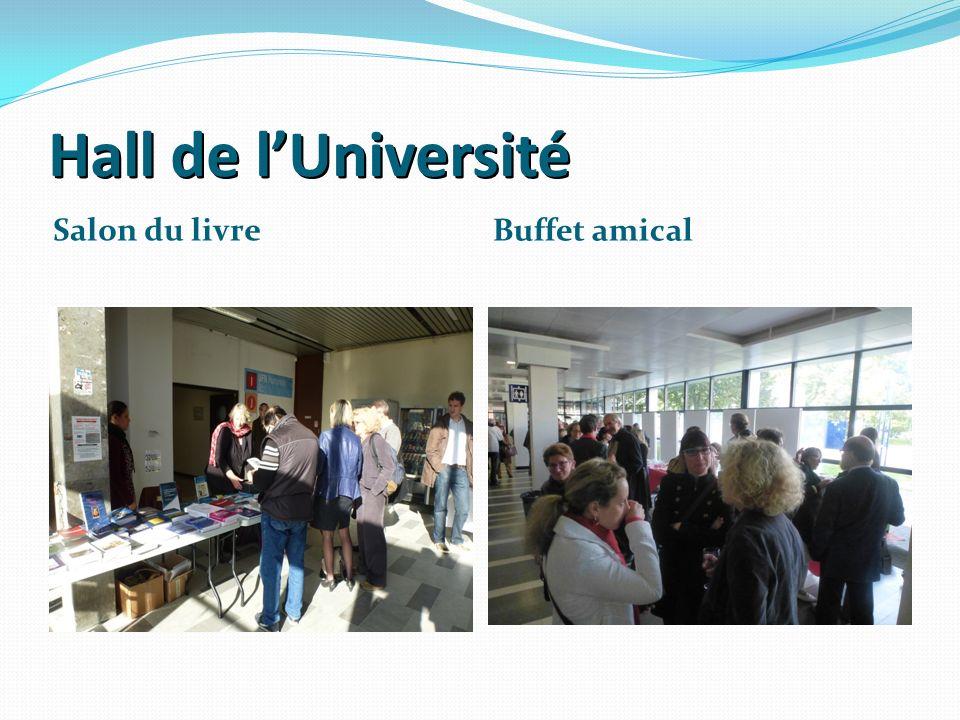 Hall de lUniversité Salon du livre Buffet amical