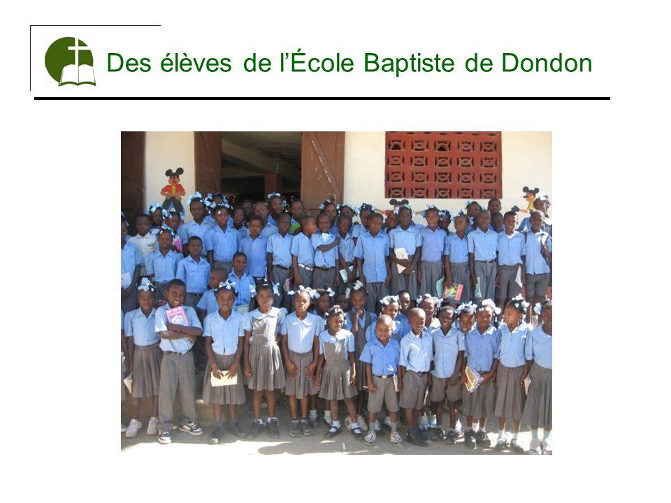 Des élèves de lÉcole Baptiste de Dondon