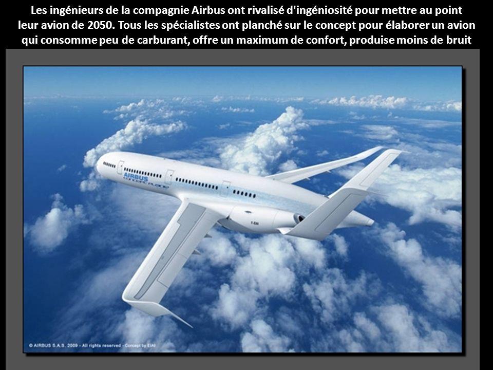 L'aéroscraft ML 866 est exceptionnel par sa capacité d'accueil de 1 500 m². Il est aussi capable de décoller et d'atterrir verticalement et de rester