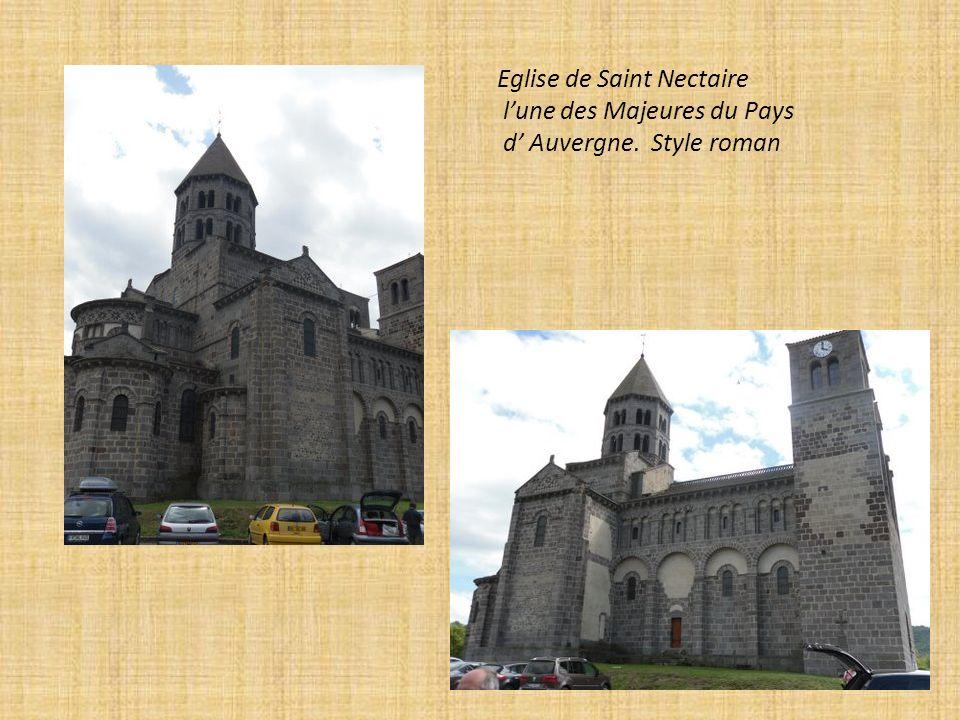 Reliquaire. Plat de reliure et Vitrail de l Eglise de Saint Nectaire.