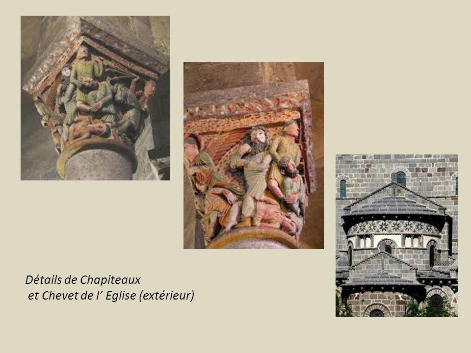 Détails de Chapiteaux et Chevet de l Eglise (extérieur)