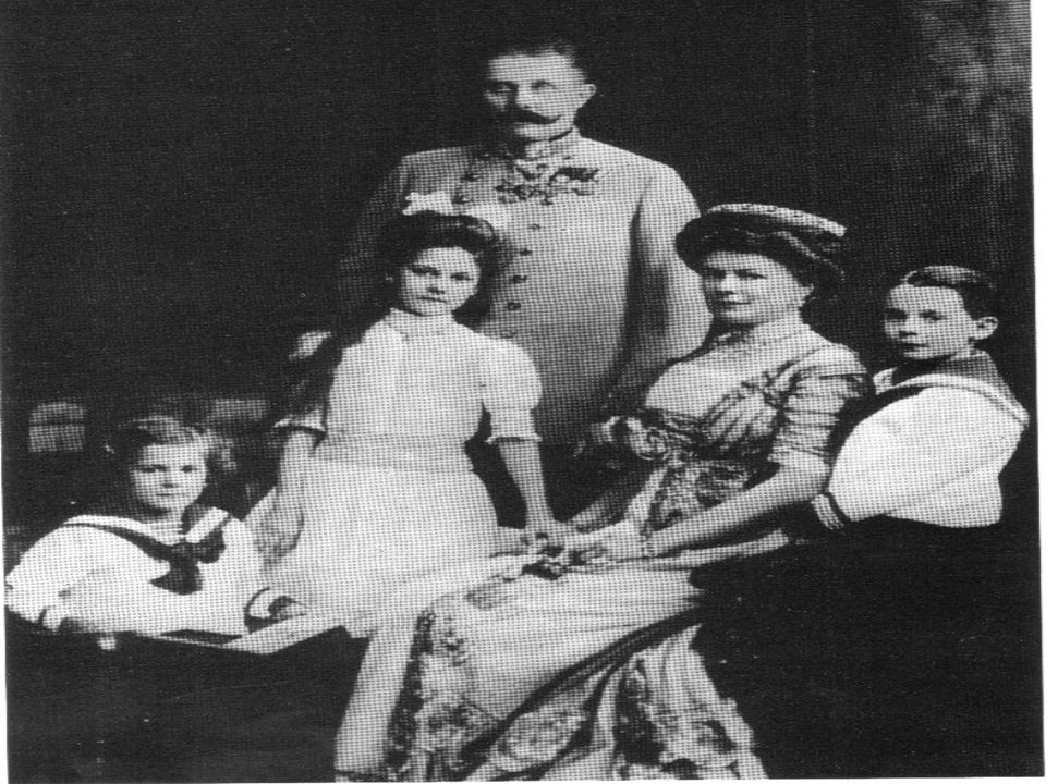 Attentat à SARAJEVO ! Au mois de juin 1914,le 28 exactement, lArchiduc François- Ferdinand, héritier du trône dAutriche est assassiné lors dune visite