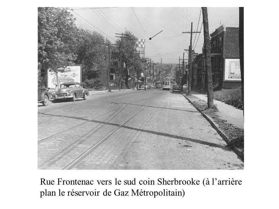 Rue Frontenac vers le sud coin Sherbrooke (à larrière plan le réservoir de Gaz Métropolitain)