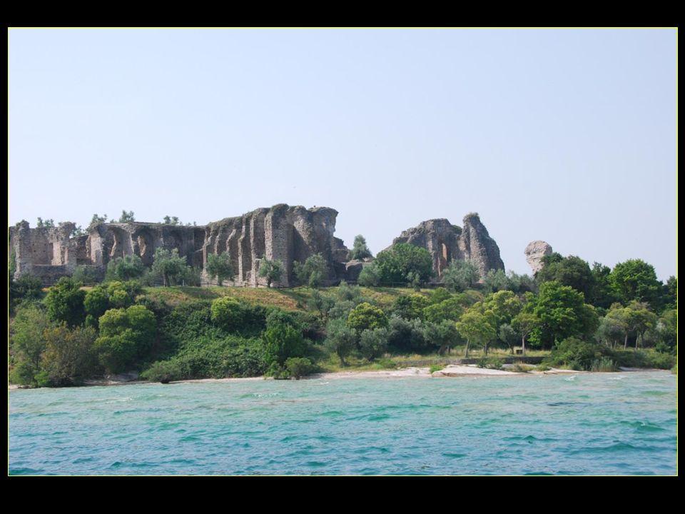 Les vestiges archéologiques sétendent sur près de deux hectares