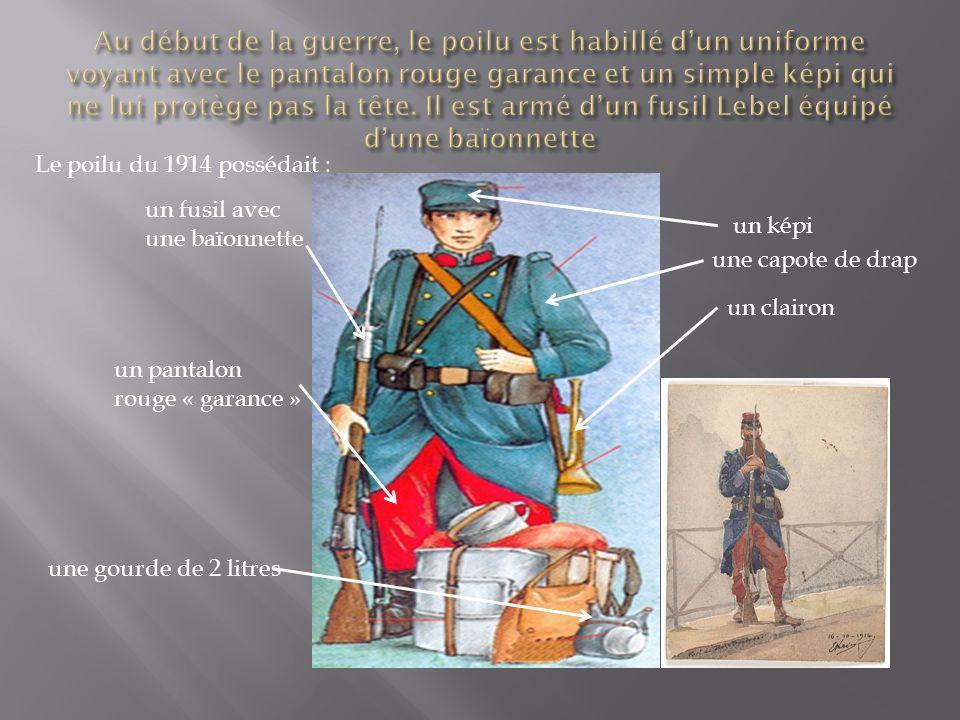 Dès 1915, il porte un nouvel uniforme bleu horizon.