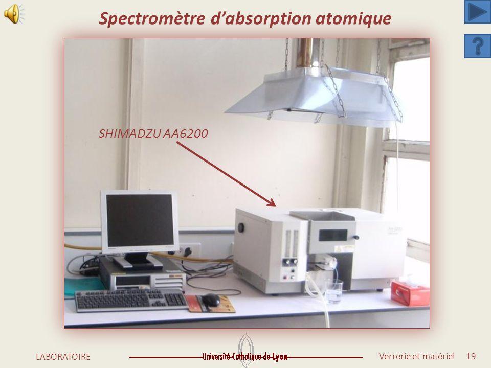 Verrerie et matériel 18 LABORATOIRE SHIMADZU UV160A SHIMADZU UV1605 2 SHIMADZU UV1700 SHIMADZU UV1800 Spectrophotomètres dabsorption moléculaire